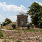 Wasserbehälter in Uelversheim im Frühsommer